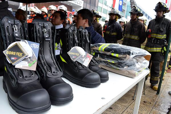 entregan material a bomberos de temuco 2